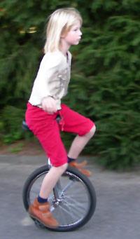 einrad einr der fahrradtyp ein rad einradhockey einradfahrer einradtricks einraeder. Black Bedroom Furniture Sets. Home Design Ideas